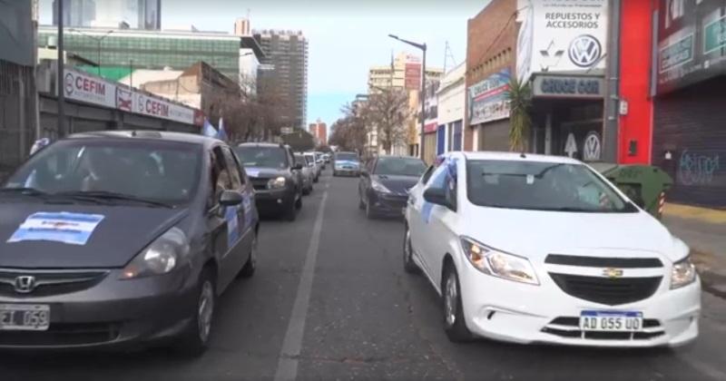 Caravana en Córdoba en apoyo al gobierno nacional