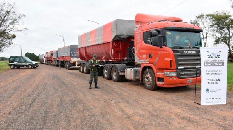 Gendarmería detiene contrabando de 189 toneladas de soja en Ituzaingó, Corrientes