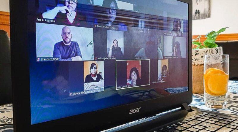 Videoconferencia Secretaria de la Mujer por el Programa AcompañAR
