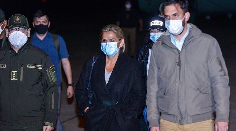 La ex presidenta de facto de Bolivia, Jeanine Áñez, es detenida en Trinidad