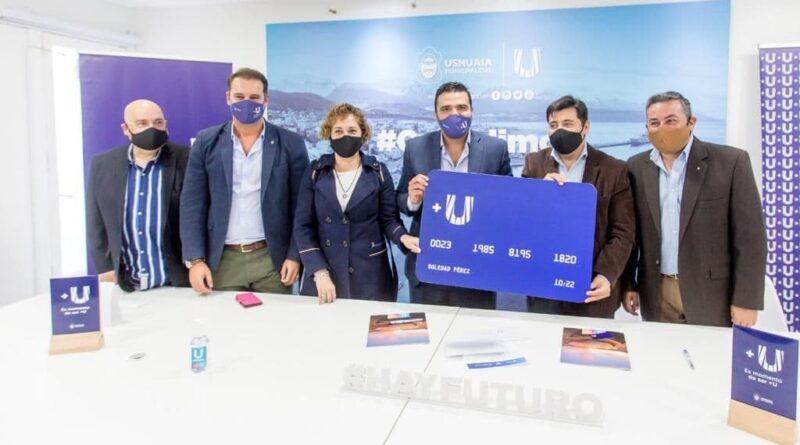 Vuoto, Harrington, Ventura y funcionarios, en la firma por convenio de tarjeta +U para Tolhuin