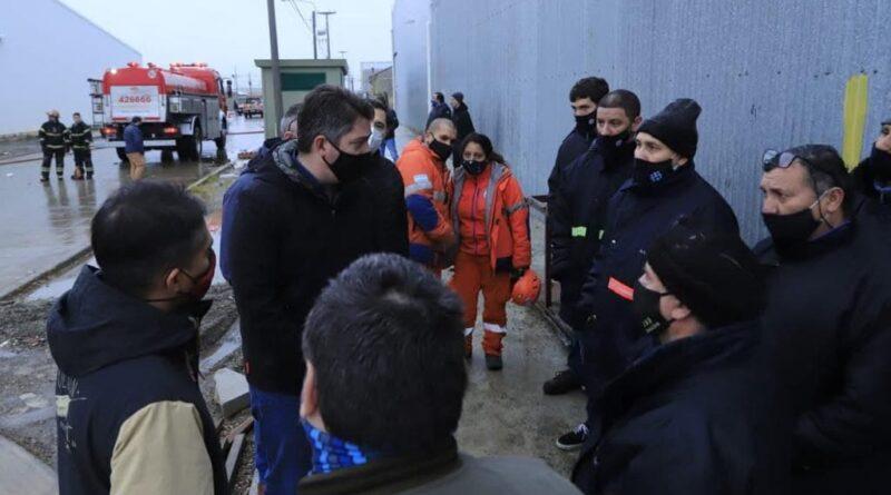 Martín Perez con trabajadores de AustralTex