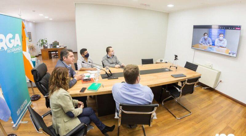 Videoconferencia de Perez, funcionarios y concejales con autoridades de la Agencia de Administración de Bienes del Estado