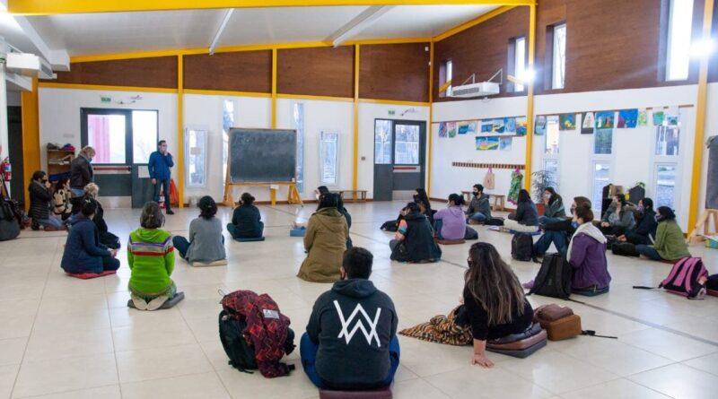 Presentación del curso de lengua de señas en el Instituto Terranova, Ushuaia