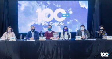 Presentación de agenda de eventos para el Centenario de Río Grande