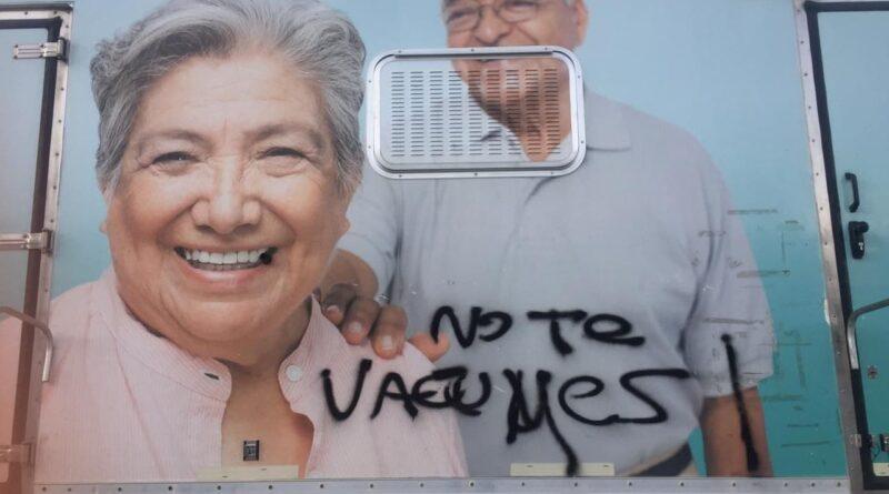 Pintadas en la Unidad Sanitaria Móvil, Ushuaia